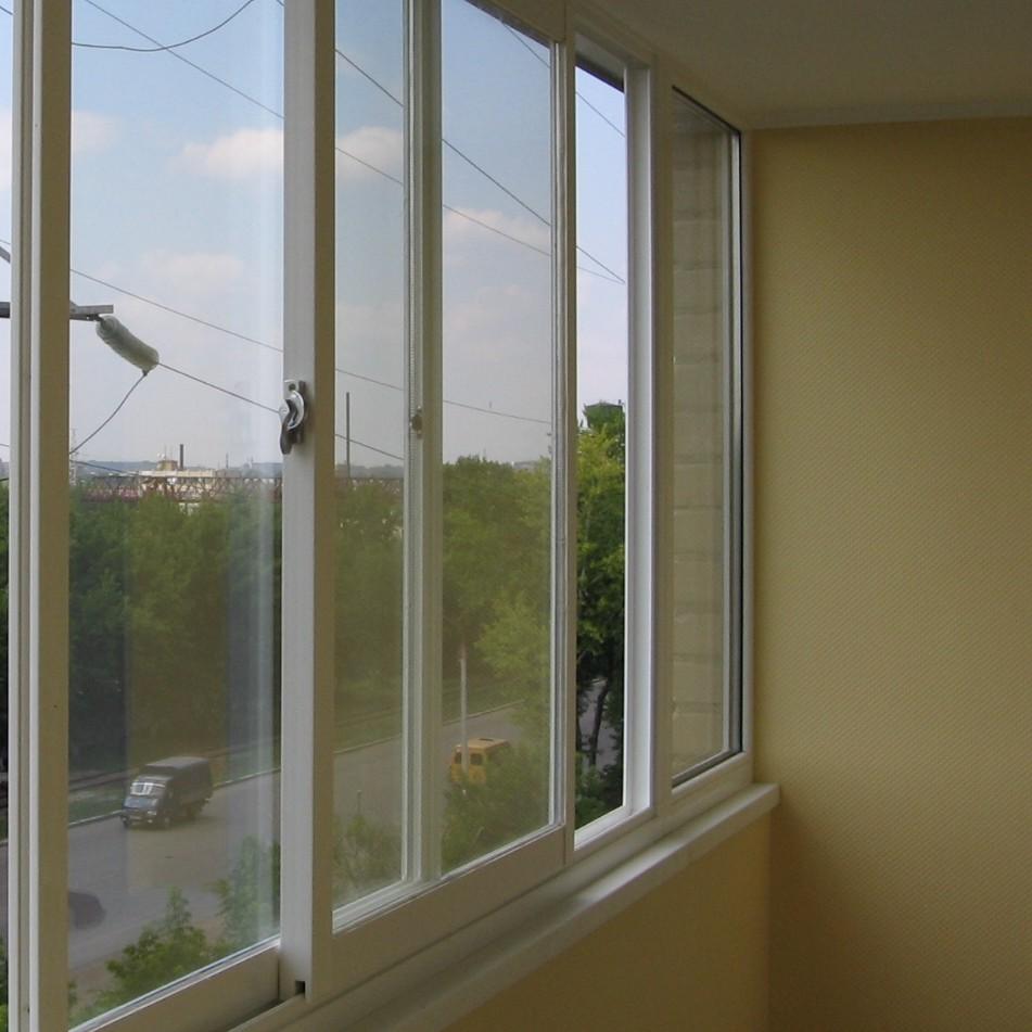 Остекление балконов раздвижная система зимой замерзает..